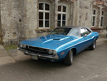 Dodge Challenger 1970 vs Dodge Challenger 2008